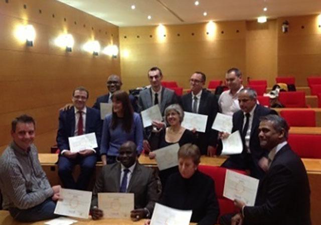Mamadou SORO, Président de l'UAM AFRO et Laciné TOURE Directeur Général de la Mugef-Ci ont reçu leurs diplômes de Masters en Gouvernance mutualiste le 30 novembre 2015, au siège de la MGEN à Paris