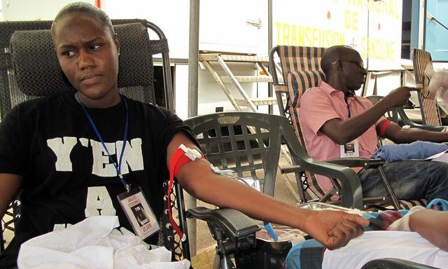 A Dakar, des SMS pour donner son sang