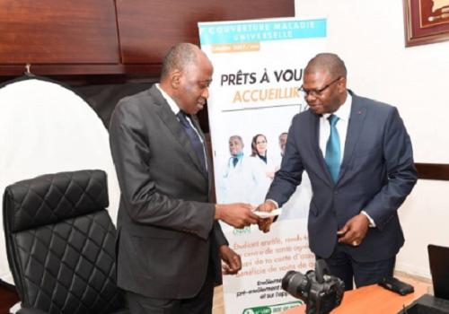 Le Premier Ministre ivoirien se fait enrôler pour la Couverture Maladie Universelle (CMU) - 13 Septembre 2018 à Abidjan (Côte d'Ivoire)