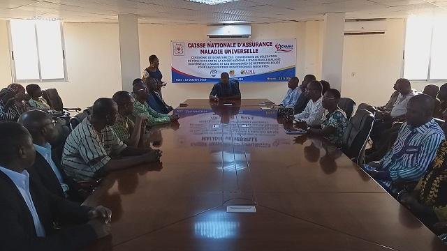 La Caisse nationale d'assurance maladie universelle burkinabé signe une convention avec ses partenaires pour la prise en charge des indigents - 22 octobre 2019 à Ouagadougou (Burkina Faso)